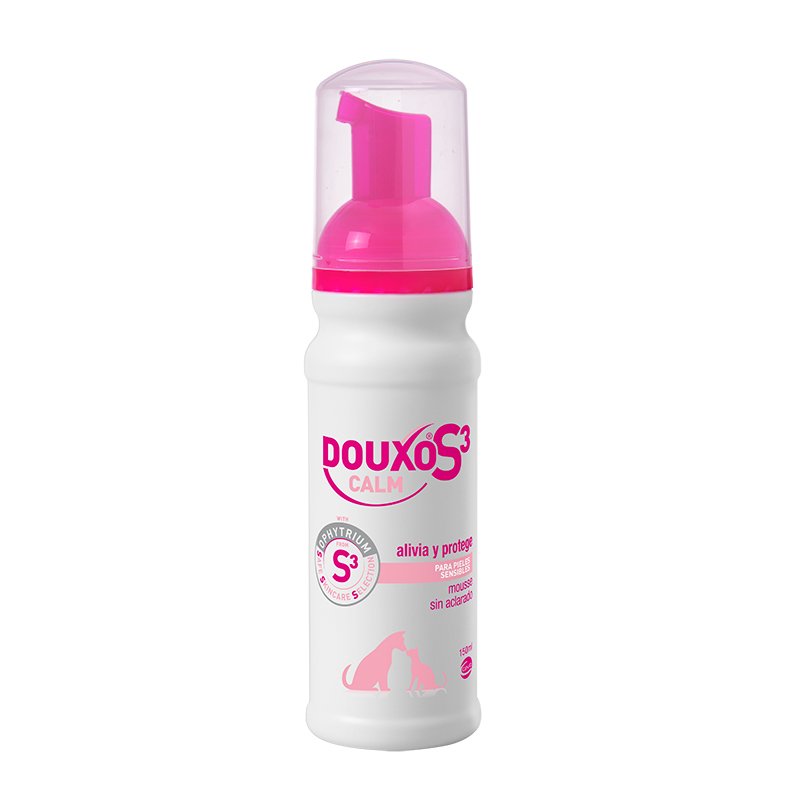 DOUXO S3 CALM Mousse for sensitive skin of dogs and cats