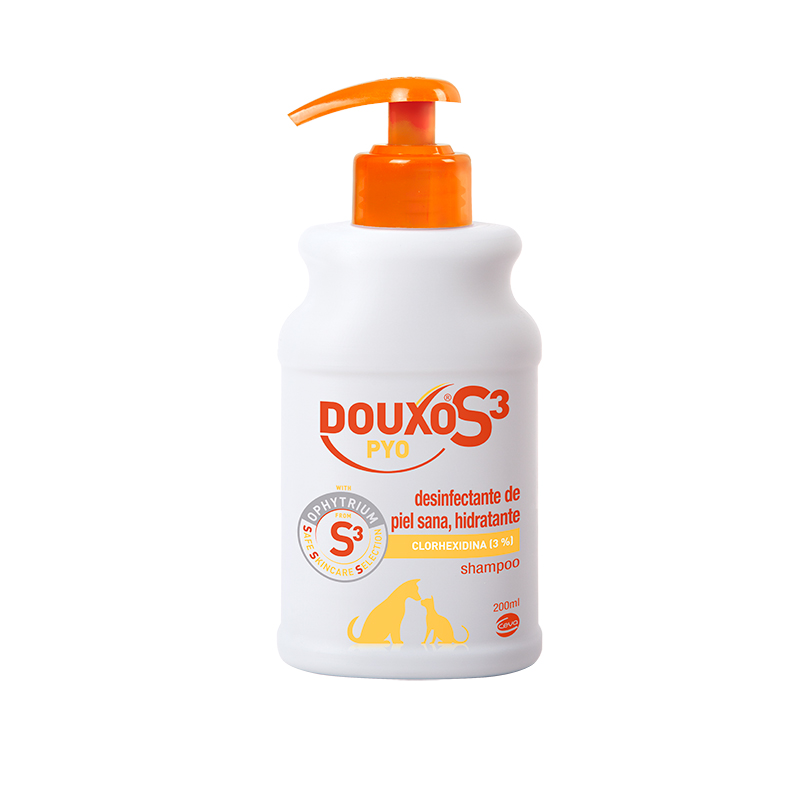 DOUXO S3 PYO Dog and cat disinfectant shampoo